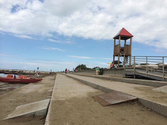 Centro Vacanze Pra delle Torri: Schöner, gepflegter Strandbereich