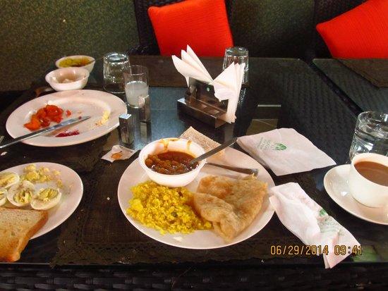 Mongas, Hotel & Resort!: Buffet