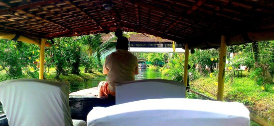 Coconut Lagoon: Arriving by boat
