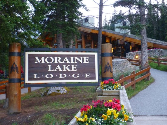 Moraine Lake Lodge : view