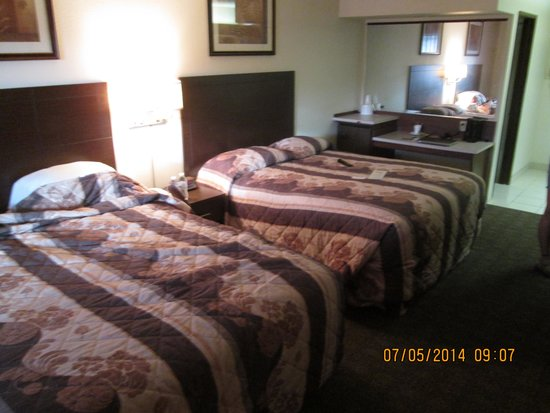 Exchange Club Motel: inside the room...