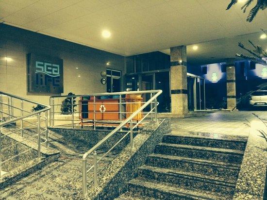 Sealife Family Resort: Inngansparti