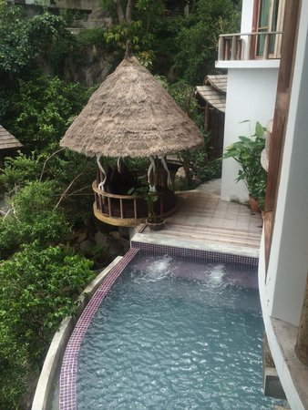 Thipwimarn Resort: Princess Pool Villa private pool with gazebo day bed