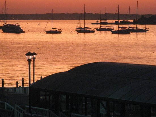 Regular Newport sunset of the harbor from the Wellington Resort