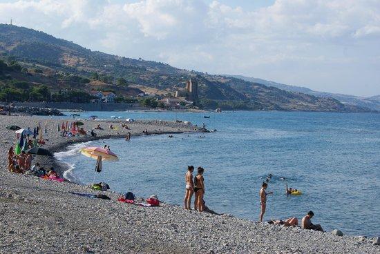 Hotel Enotria : Spiaggia libera lungomare Amendolara-Roseto C.S.