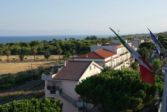 Hotel Enotria : Vista camera laterale