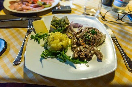 Restaurant Finsterwirt Oste Scuro: L'antipasto di testina di vitella