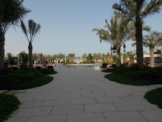 Waldorf Astoria Ras Al Khaimah: Pool area