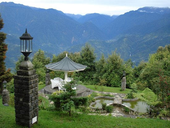 The Elgin Mount Pandim, Pelling: The garden area
