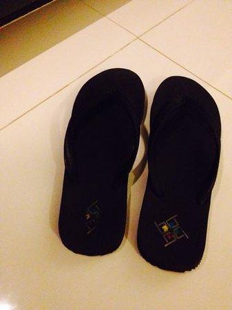 B-Lay Tong Phuket: used shoes
