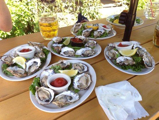 Fanny Bay Inn: Fresh Fanny Bay Oysters