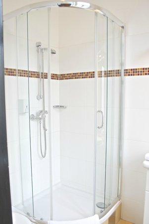 Hotel Drei Kronen: Badezimmer