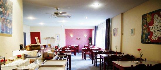 Hôtel Saint Odilon : salle des petits déjeuners