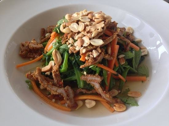 The Gourmet Corner Restaurant: Morning glory salad with beef