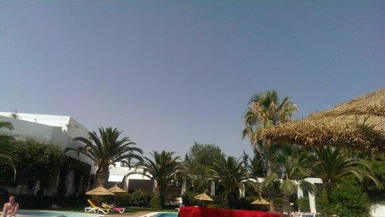 Hotel Dar El Olf: небо