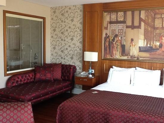 Neorion Hotel: Rm 601, looking into bathroom window 105455658