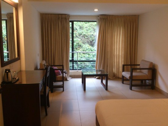 Clouds Valley Leisure Hotel: rooms
