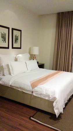 Rongratana Executive Residence : Bedroom