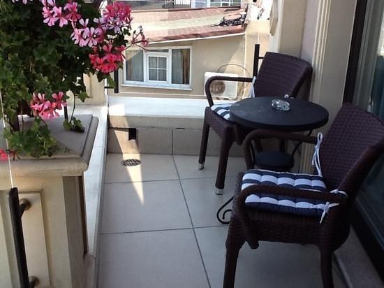 Neorion Hotel: Rm 601 balcony