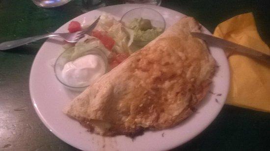 3 SALSAS : Empanada au poulet à 15€