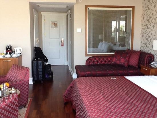 Neorion Hotel: Rm 601 from balcony door