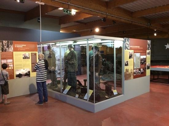Musée Mémorial de la Bataille de Normandie : One of many display cases