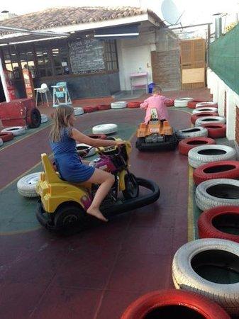 Scottish Corner : kids having fun