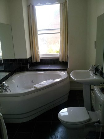 The Granville Hotel: Regency room bathroom