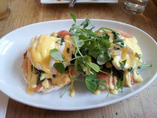 The Granville Hotel: Eggs Benedict for breakfast