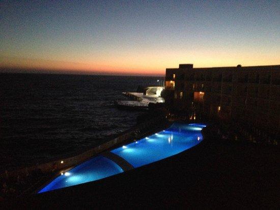 Paradise Bay Resort Hotel : Solnedgang fra 4. sal