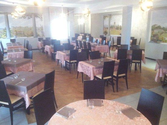 La sala da pranzo foto di conca d 39 oro villa d 39 alme for La sala da pranzo