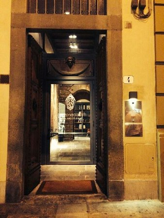 Palazzo Vecchietti Suites and Studios : Entrence