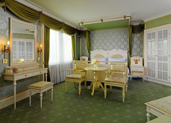 The Westin Grand Berlin - Präsidentensuite Schlafzimmer