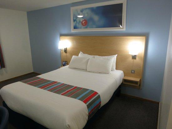 Travelodge Edinburgh Central : Double room