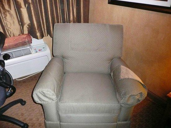 Best Western Plus Black Oak: recliner