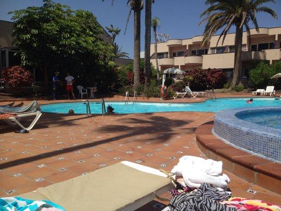 Hotel Atlantis Dunapark : Pool area