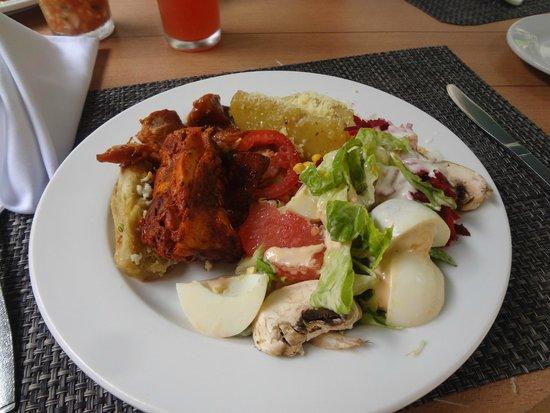 Canto Del Sol Plaza Vallarta: Обычный завтрак, очень разнообразный выбор