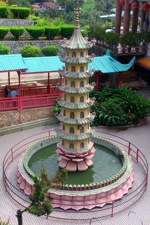 Kek-Lok-Si-Tempel: Inside Kek Lok Dow Temple