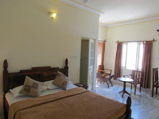 Pratap Bhawan: heritage style deluxe room
