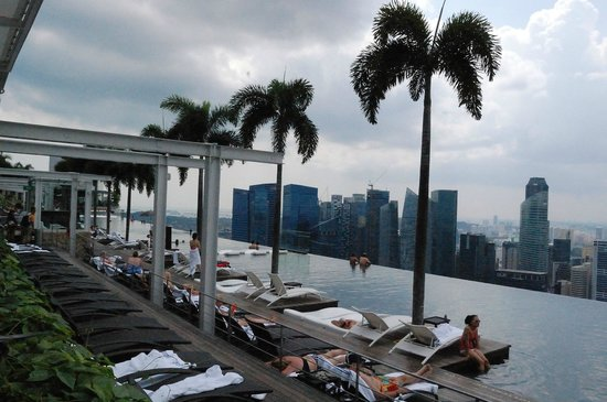 Marina Bay Sands : infinity pool