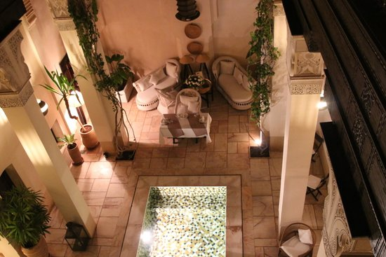 Riad Dixneuf La Ksour : Courtyard and Pool