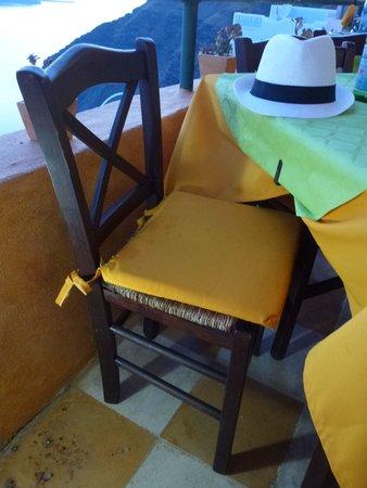 Remvi Restaurant: Шляпа в интерьере