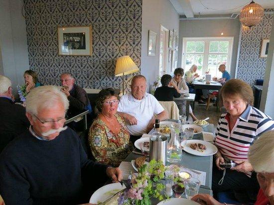 Cafe De Pont: Karige menu's