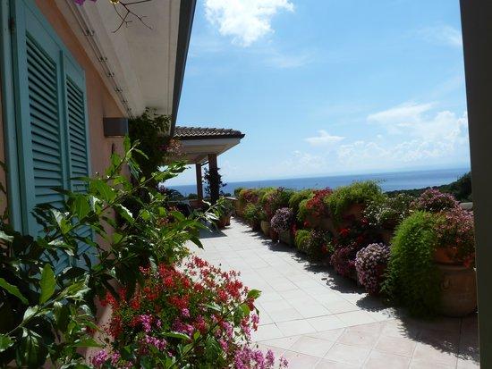 Park Hotel Asinara: vue depuis une terrasse