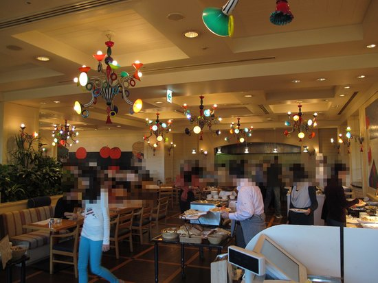 Imperial Hotel Osaka: breakfast served at Flying Tomato Cafe