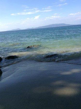 White Beach : clean and calm water