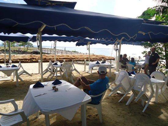 First Landing Beach Resort & Villas: Lunch spot