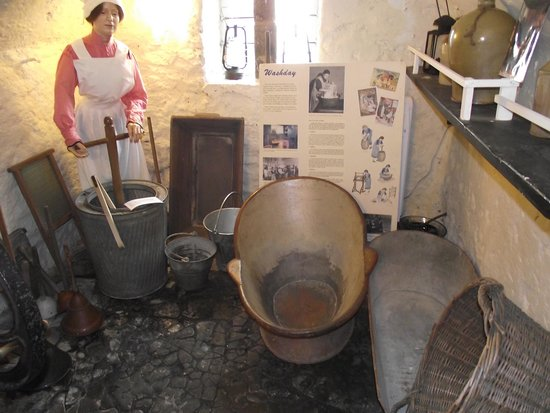 Bakewell Old House Museum: Remember Bath Time