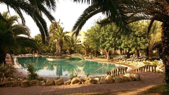 Mediterranee Thalasso Golf: belle piscine d'eau de mer