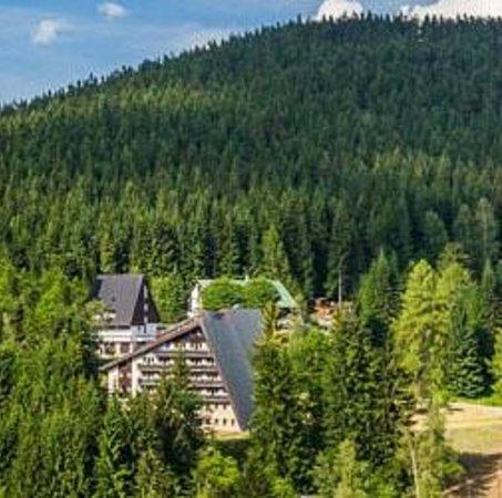 Pytloun Hotel Harrachov : Pohled na hotel